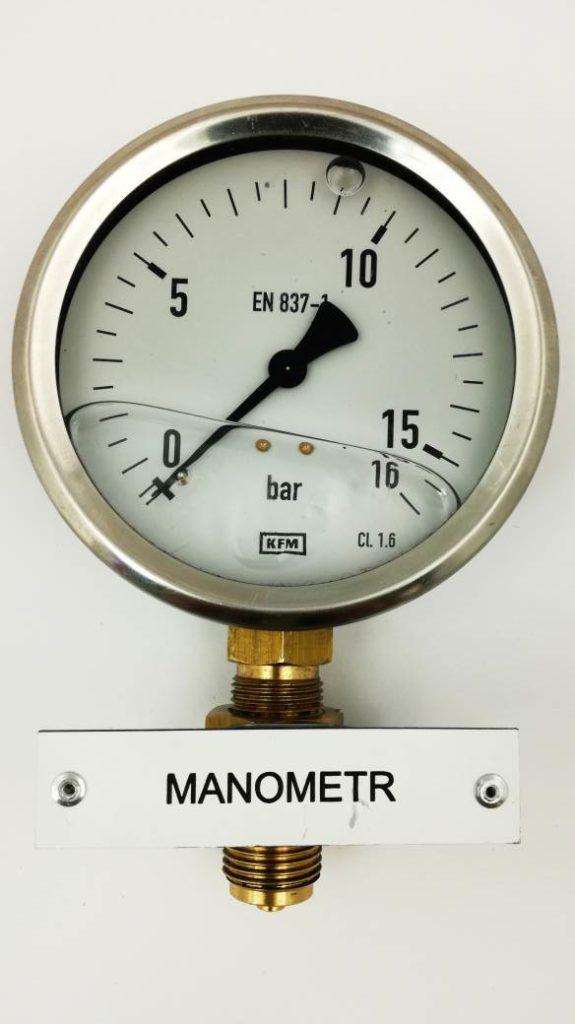 tabliczki opisowe manometrów