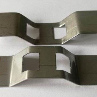 Uchwyt oznacznika do rur i instalacji przemysłowych wykonany ze stali nierdzewnej