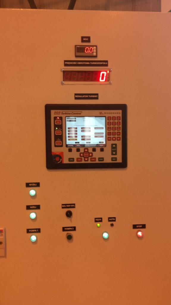 Panel czołowy, szafa automatyki, regulator turbiny, woodward, woodward 505, sterowanie turbiną, sterownie maszynami, zabezpieczenia maszyn, turbiny parowe